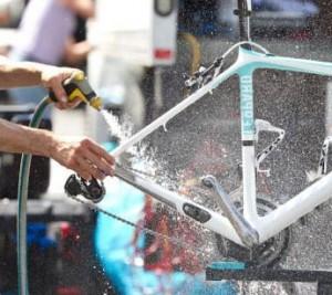 bike-washing-300x267