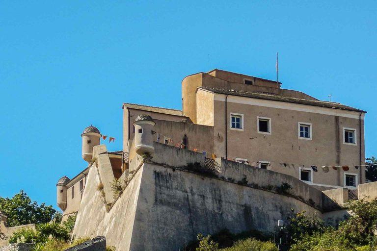 Ecco un'idea per il ponte della Befana in Liguria! A Finalborgo Dino da Nuxe sabato 7 gennaio 2017