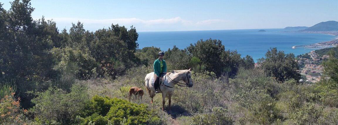 Sport-outdoor-equitazione-finale-ligure-passeggiate-cavallo-liguria-Residenza-Adelaide-003