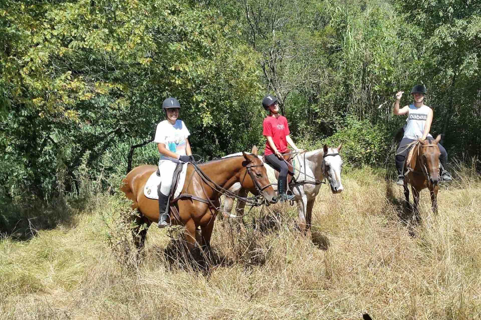 Sport-outdoor-equitazione-finale-ligure-passeggiate-cavallo-liguria-Residenza-Adelaide-008